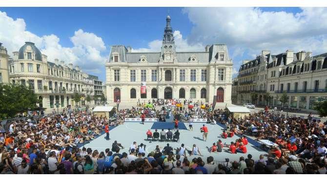 Poitiers le centre actualit s qualification pour l for Leclerc poitiers