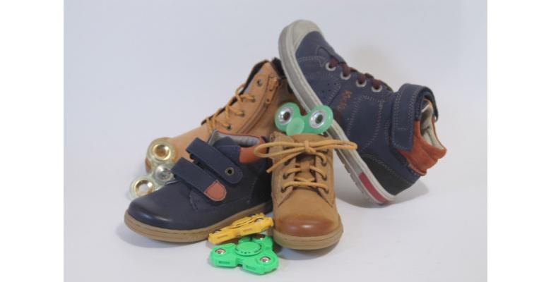 Une paire de chaussures enfant achetée = 1 Hand Spinner offert chez Arbell !