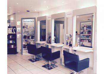 -7€ sur le forfait shampoing coupe coiffage chez Jean Louis David
